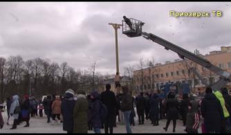 Масленица на центральной площади города Приозерска